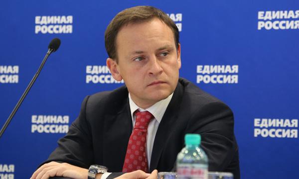 Депутат Госдумы не хочет лизать за 10 рублей