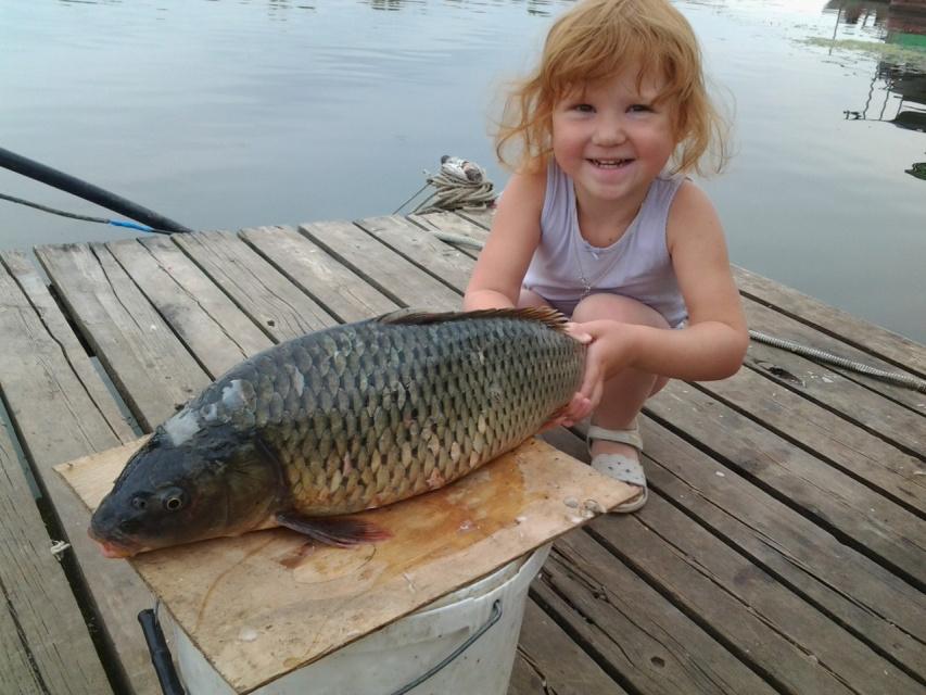дети и рыба