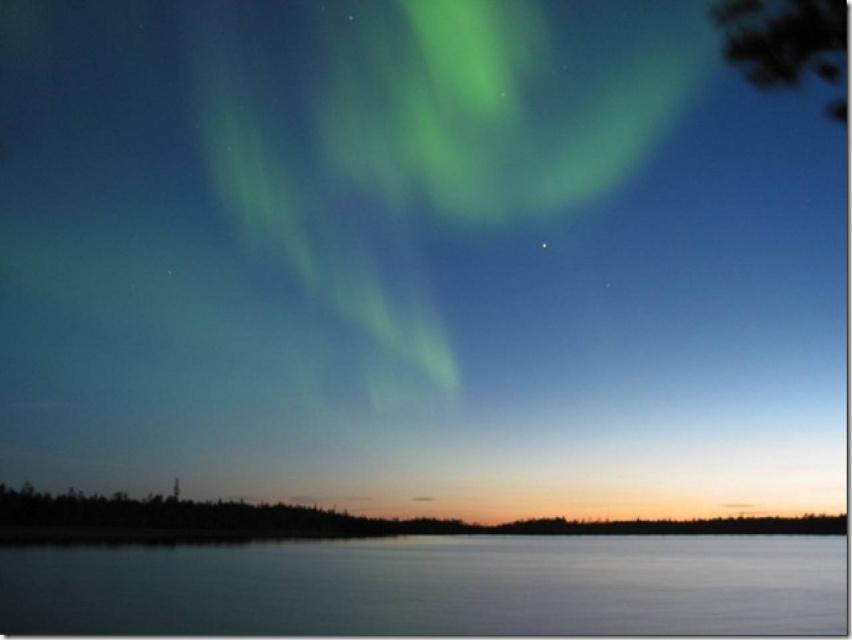 Самые впечатляющие Северное сияния появляются с цикличностью 11 лет и 22 года, зависит это от солнечной активности.