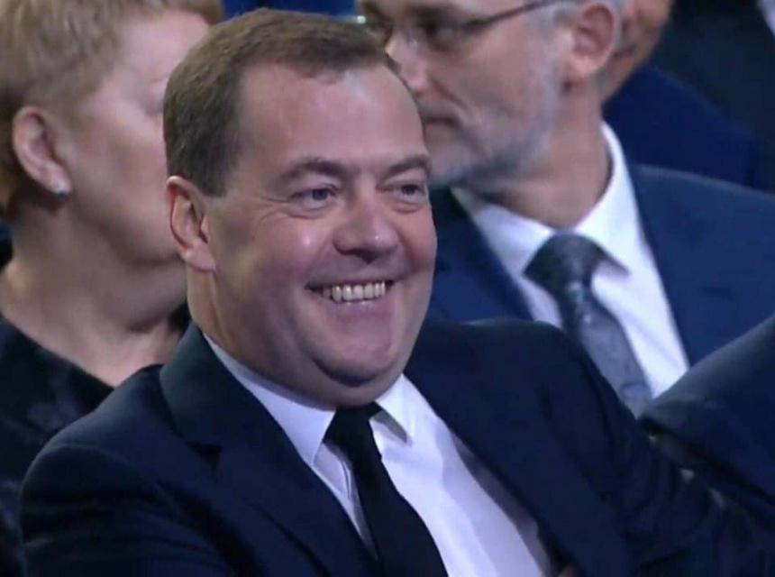 А вот Медведеву, похоже, пенсионная реформа пошла на пользу...