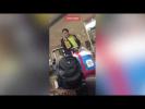 Саакашвили с голым животом бродит по аэропорту Нью-Йорка