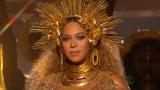 Beyonce - Love Drought & Sandcastles (Grammy 2017)