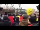 Навального гонят с оппозиционного митинга в Челябинске