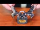 Как открыть дуговой замок с помощью гаечного ключа