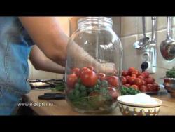 Помидоры, маринованные с виноградом - видео рецепт