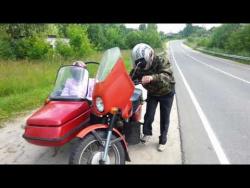 Ретро  мотоцикл  Иж -  Планета   по г. Пучежу на мотоцикле.