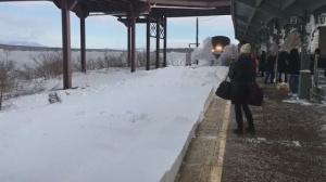 Поезд, снег и слоумо