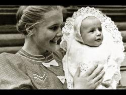 Звезды нашего детства в кругу семьи Фото из домашних архивов