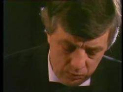 Раймонд Паулс (ф-но) - Капли боли / Блюз дождя / Sāpju lāses / Lietus blūzs (1982; исполняет автор) – Смотреть видео онлайн в Моем Мире.