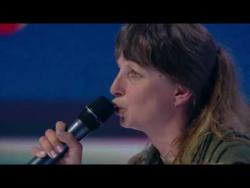 «Шоколадна дупа» - женщина-снайпер с песней о Порошенко