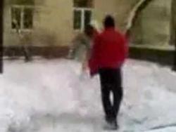 Хачи избивают русских девушек