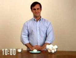Как быстро очистить яйцо