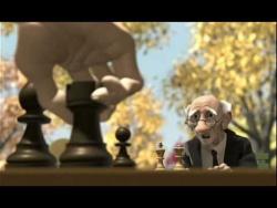 Viejo jugando ajedrez Cheez old man