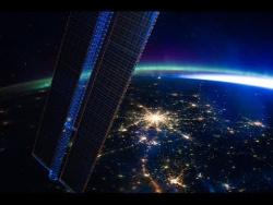 Земля под музыку Жана Мишеля Жарра