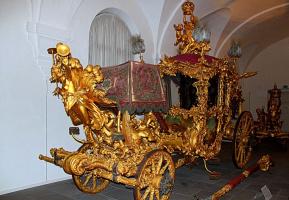 Кому принадлежала эта карета и для каких целей она служила (Германия)?