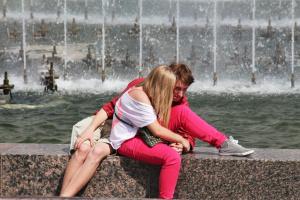 У фонтана ....