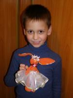 Моя малявочка сама ваяет игрушки...