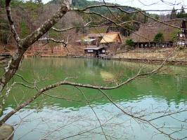 Вдали за рекой - японская деревня