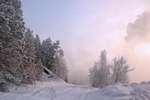 Морозный день на водохранилище.