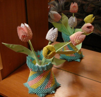 Ваза с тюльпанами (оригами)