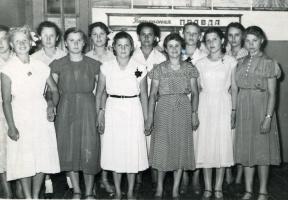 На выпускном в школе № 1. 1958 г.