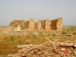 Развалины старой заставы Самохвалова. На стенах  сохранились следы пуль 20х-30х годов.