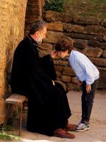 Как вы понимаете сомнительный ритуал целование креста?