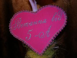 Рисунок глиттером на бархате. Объемное сердце-открытка.