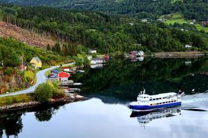 Красочные берега норвежских фьордов