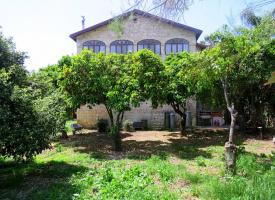 Старинные дома немецких темплеров в посёлке Бэйт Лехем ха-Глилит (Нижняя Галилея, Израиль) - серия