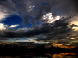 Налетели облака ...синь небесную затмив...
