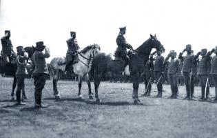 Николай 2 приветствует сербских добровольцев.1916г.