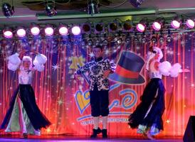 Танцы русских исполнителей (+ 3 снимка)