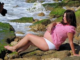 Какова связь между беременной женщиной и жасминовым маслом?