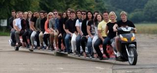 Сантехник собрал скутер длиной 22 метра