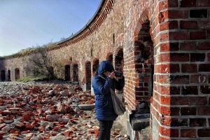 Древняя крепость и я. (Снимок Алекса).