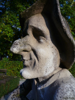 Кто превратил Якоба в карлика,и кто помог ему вернуть свой внешний вид?