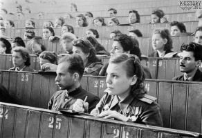 Первая лекция в Московском государственном университете имени М.В. Ломоносова после окончания Великой Отечественной войны.1 сентября 1945 года.