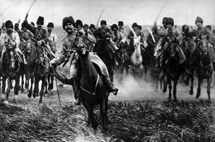 Атака русской кавалерии в битве при Танненберге. Восточная Пруссия. Германская империя. 26 августа 1914 года.