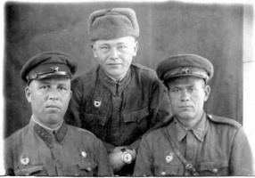 Три старших сержанта