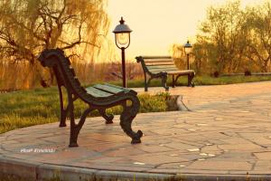 Лавочка в парке(есть еще вариант)