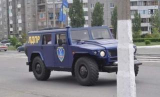 Бронемашина — это подарок от российского политика Владимира Жириновского сопротивлению Юго-Востока.
