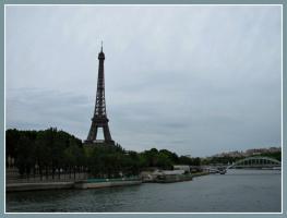 Пасмурный Париж.