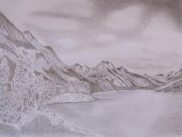Берег горного озера.