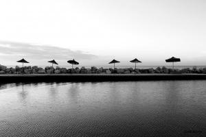 Зонтики на острове