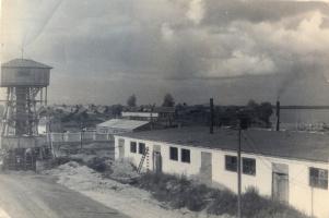 1954-1956гг.Продолжается строительство льнокомбината.