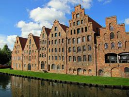 Старые соляные склады города Любек (есть информация)