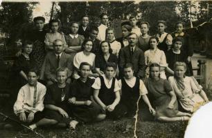 Выпускники Пучежской ср. школы 1946 год.