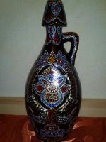 Точечная роспись керамического кувшина.