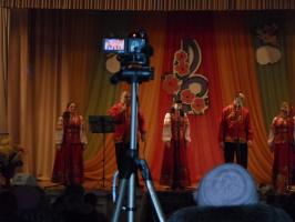 """С.Абрамов и """"Пучежские узоры"""" на сцене в юбилейном концерте. 16.02.2014."""